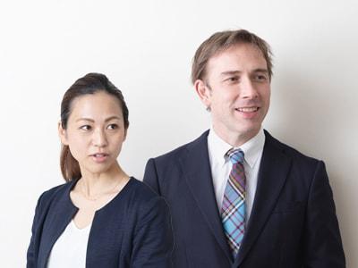 外国人教員と日本人教員の学級担任2人制